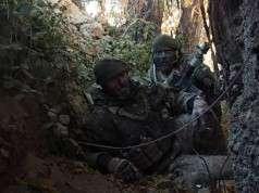 Søren og Kasper i en grøft i Helmandprovinsen