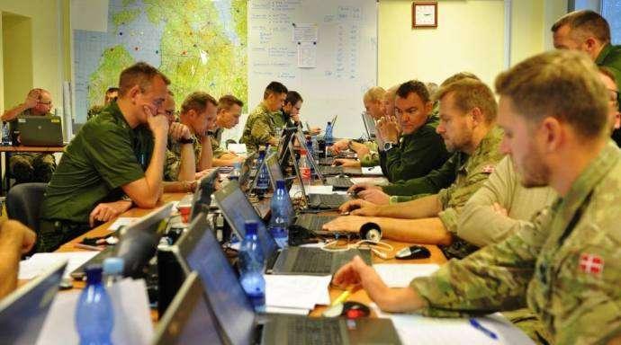 Stabsarbejdet er i gang. Her hos 1. brigade. Foto: Presseofficer, kaptajn Niels Brandt.