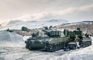 Norsk M109 ved Setermoen under Cold Response 2014.