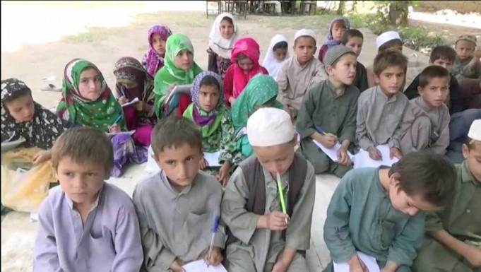 Dansk-støttede skoler i Afghanistan, undervises børn af Taliban. Foto: DR Dokumentar