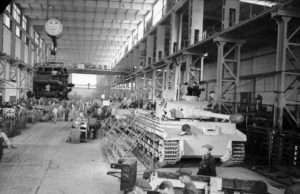 Produktionslinjen – Tiger 1. Foto: Bundesarchiv